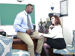 Busty sara jay has no problems with dealing a big black cock