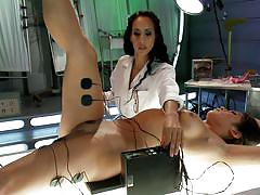 Slut enjoys the electric play