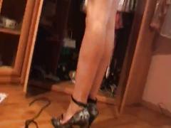 Cindy por casa desnuda dos