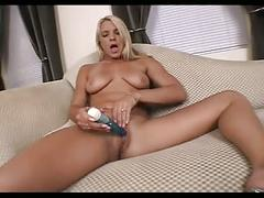 Surfer babe does porn