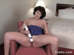 Amber plays with a big clit vibrator