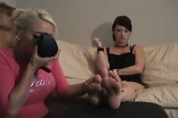 emo, foot fetish, lesbians