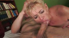 Young man fucking his hot old girlfriend