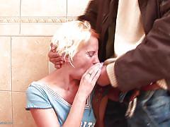Blonde mature slut gets disrupted, while on toilet
