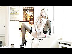 Antonia dildo wanks in stockings