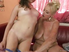 Granny loves young pussy