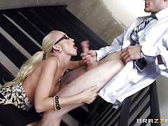 Madison scott can't wait to come into apartment