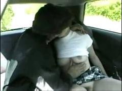 Depucelee dans la voiture