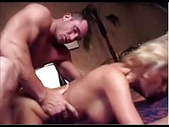 Hot muscular dude fuckin that pussy and ends with facial