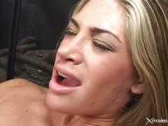 Lesbian pussy licking2