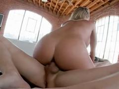 Sexy blonde na creampied