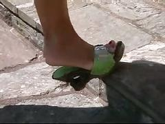 Shoejob in green mules