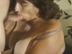 Hot mature amateur cougar banging and cumming