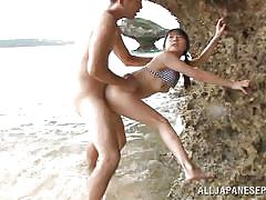 Tsubomi and her boyfriend fuck at the beach