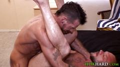 Barebacked dude creamed big cock