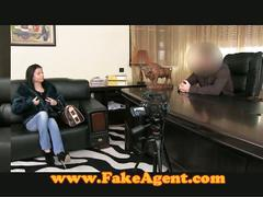 Fake casting agent snags euro-babe