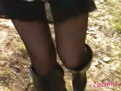 Exhibitionism in a field teased by my boyfriend - shorcut
