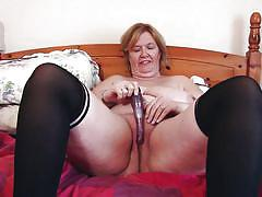Busty mature mastrubates