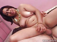 Indian milf loves to screw around