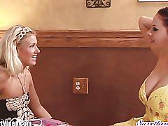 Sweetheart gianna michaels takes on tiny teen lesbian