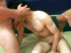 Amateur spunk eating twinks enjoying hardcore anal threesome