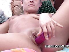 Amateur jennifer white toys her pussy before fuck