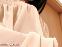 Brunette bombshell tania pink wet and puffy solo