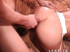 Jeune salope blonde et francaise prise en double