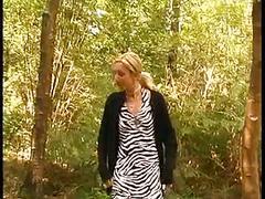 Baise dans le bois