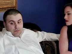 Le mari matte sa femme se faire prendre par un black