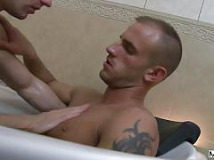 Hot gays have sex in the bathtub
