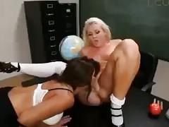 Francesca le teaches sienna splash some monners