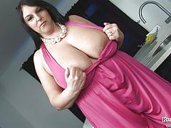 mature, bigtits, boobs, busty, bbw, plumper, fat, old, mil