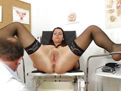 Sexy housewife oral sex orgasm