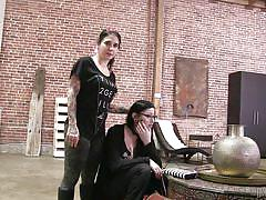 Goth porn hotties get ready for their scene