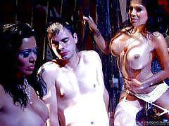 Ralph gets royal treatment in a hot threesome