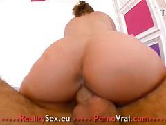 French enorme orgasme pour cette amatrice débutante !