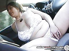 Bbw kiki massages huge boobs in car