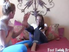 Leyla and other chicks had a secret foot fetish