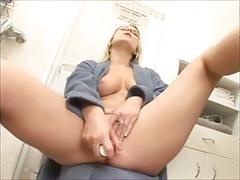 Loock at my girlfriends gaping pussy