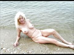Pics womens naked