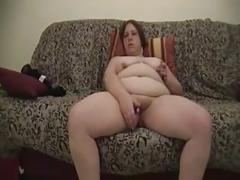 Mature bbw dildoes herself to orgasm