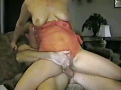 Amateur couch fuck