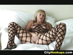 Blonde chick memphis monroe poses and pussy lick