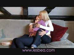 Lesbea deep and sensual kissing girls