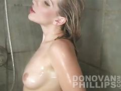 Amateur ashley taking a shower