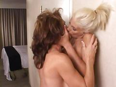 Deauxma sex catfight