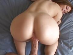 Melissa west squirts her load on the bed before her ...........