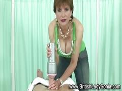 British mature babe gets a cumshot