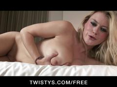 Twistys - uk blonde rubs her pink wet pussy to orgasm on cam